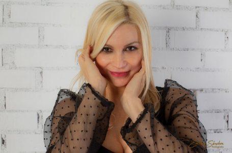 Kevina Kul empezó presentando un programa en Antena 3 con Santiago Segura