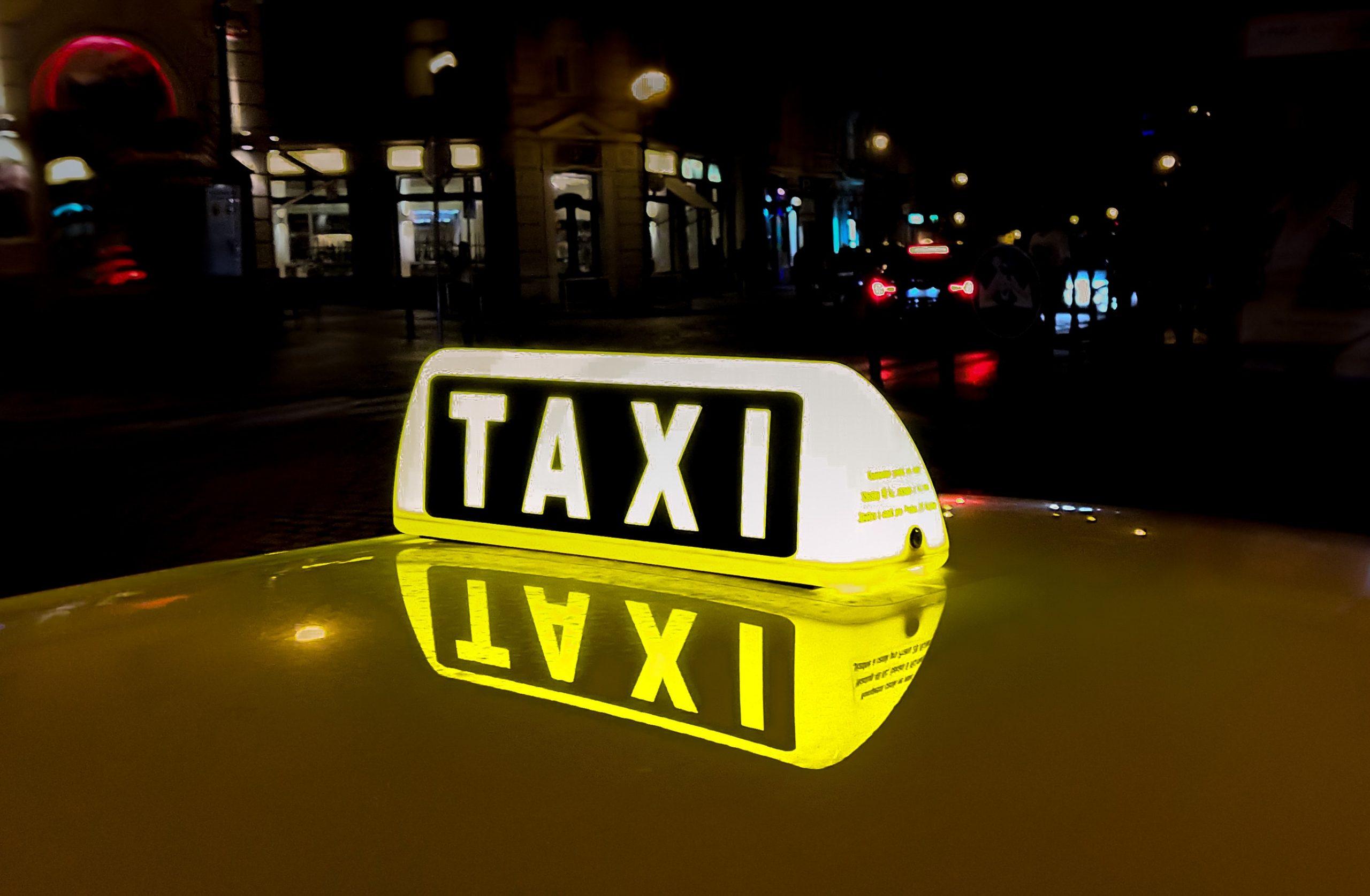 ¿Buscas un taxi en Aravaca?