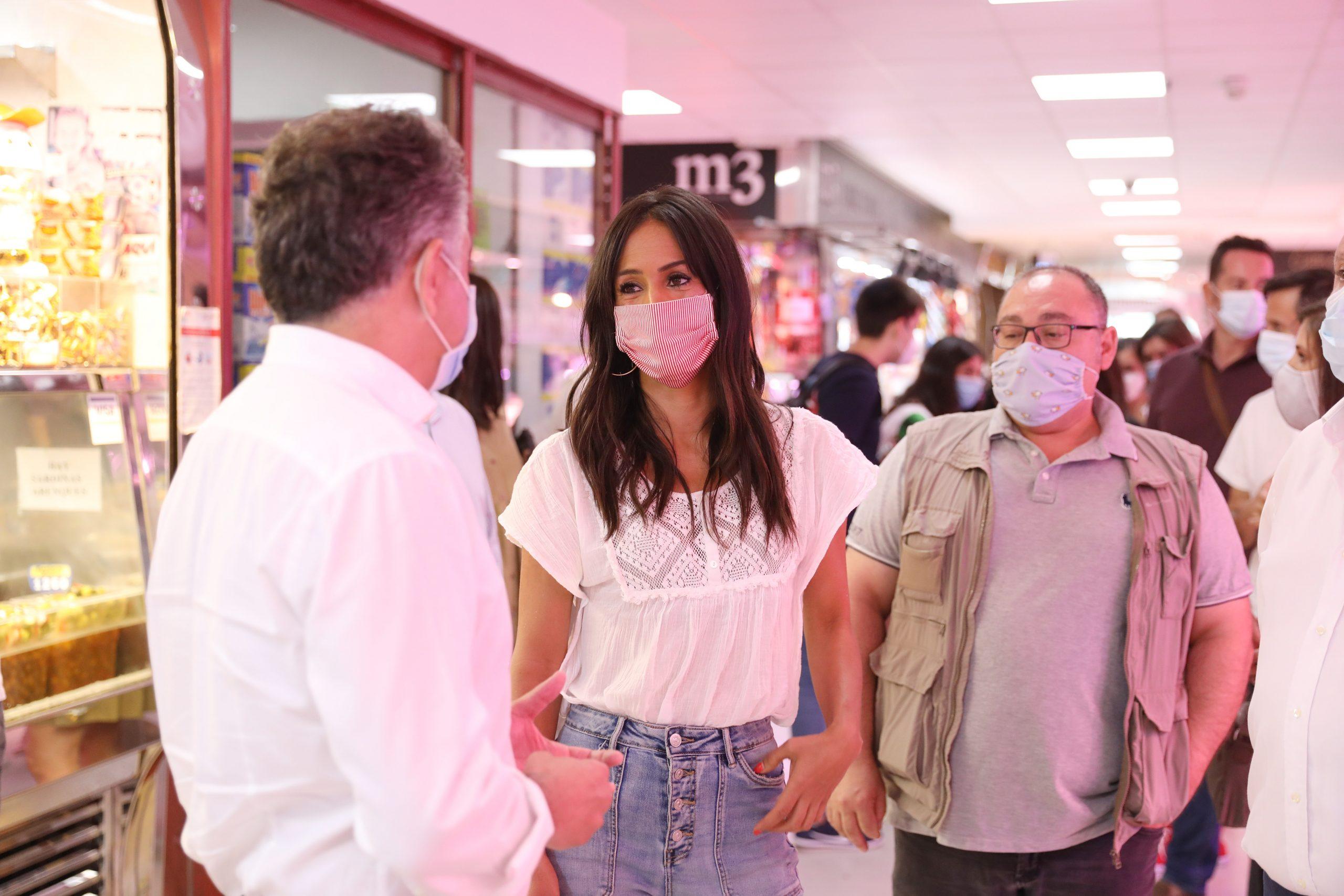 Villacís explica a comerciantes y autónomos las medidas aprobadas por el Ayuntamiento para mitigar el impacto de la pandemia