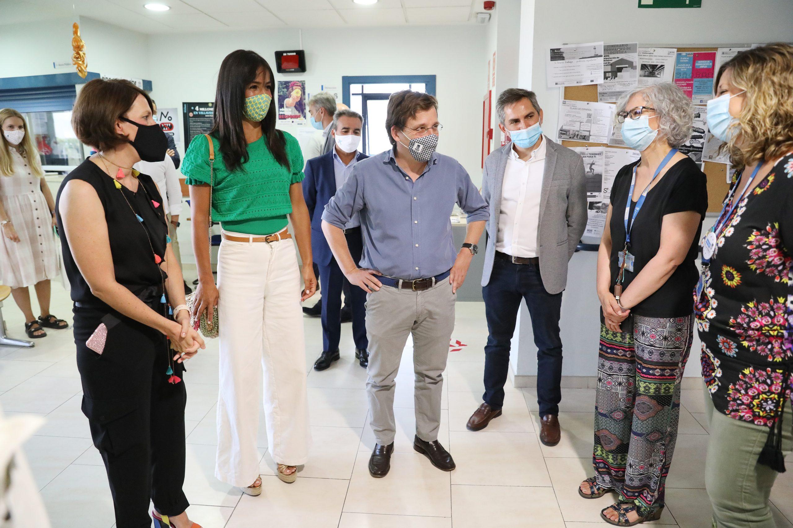 Almeida y Villacís presentan la Tarjeta Familias: 27 millones de euros en ayudas