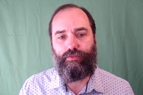 """Luis de Miguel: """"Las vacunas anti Covid 19 que se están comercializando no están destinadas a reforzar la inmunidad sino a modificar el genotipo o fenotipo del ser humano"""""""