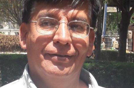 """Erick Ferrufino (químico): """"Consumo dióxido de cloro de manera cotidiana, dosis de 10-20 ml de CDS distribuidos en un litro de agua, y lo tomo todos los días"""""""